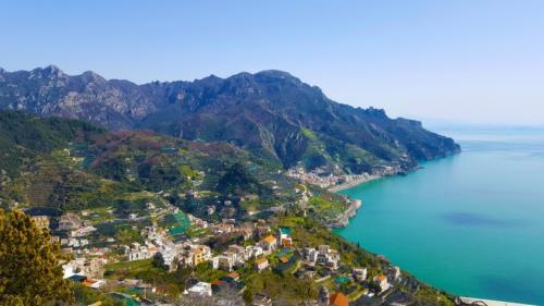 amalfi-coast-3441822-me