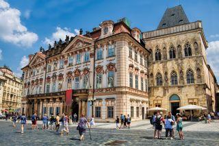 Prag, Palais Goltz-Kinsky und Haus zur steinernen Glocke