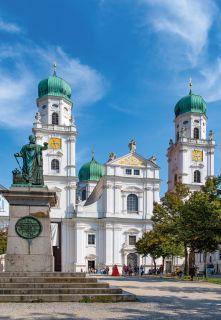 Dom Sankt Stephan Passau und König Maximilian Joseph